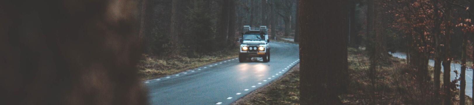 Kapotte Accu Van De Auto Automobielbedrijf Zeilmaker